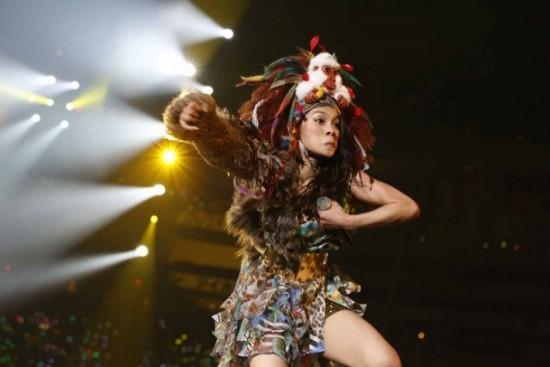 Akimoto Sayaka Gorilla AKB48's Aki...