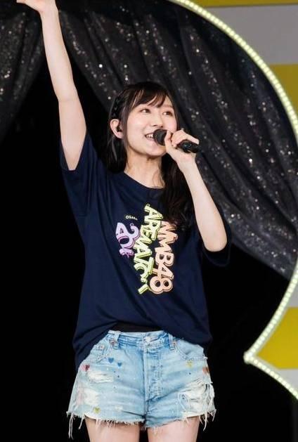 "SDN48/NMB48/SKE48/HKT48 >> Album ""Namba Ai ~Ima, Omoukoto~"" - Página 13 Nmb48_1507766694_af_org"